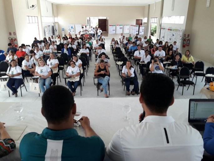 Evento compreende palestras, mesas redondas e apresentação de trabalhos desenvolvidos no PARFOR/PIBID
