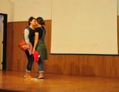 """Discussões foram baseadas na apresentação da peça """"12 de junho: o amor é para tod@s""""."""