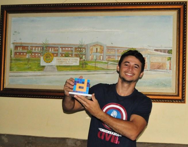Samuel Oliveira, do Campus Cajazeiras, ficou em segundo lugar na etapa estadual e irá disputar a final em Brasília.