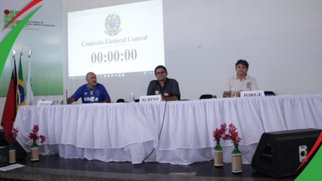 Candidatos debatem propostas no campus Campina