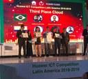 Premiação dos estudantes pela Huawei