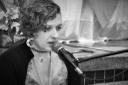 Professora de  Arte  Priscila Cler abrilhantou a noite com sua bela voz.jpg