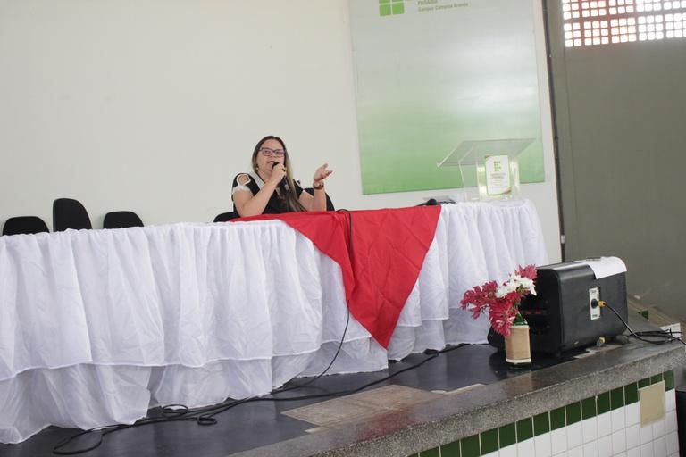 Médica da instituição, Paula Falcão, falou sobre a atuação do setor no campus