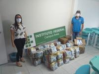 35 famílias receberam as doações do IFPB Solidário