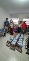 Famílias receberam 55 cestas básicas da campanha