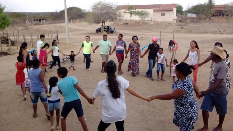 O projeto promove o resgate de brincadeiras e brinquedos em comunidade quilombola