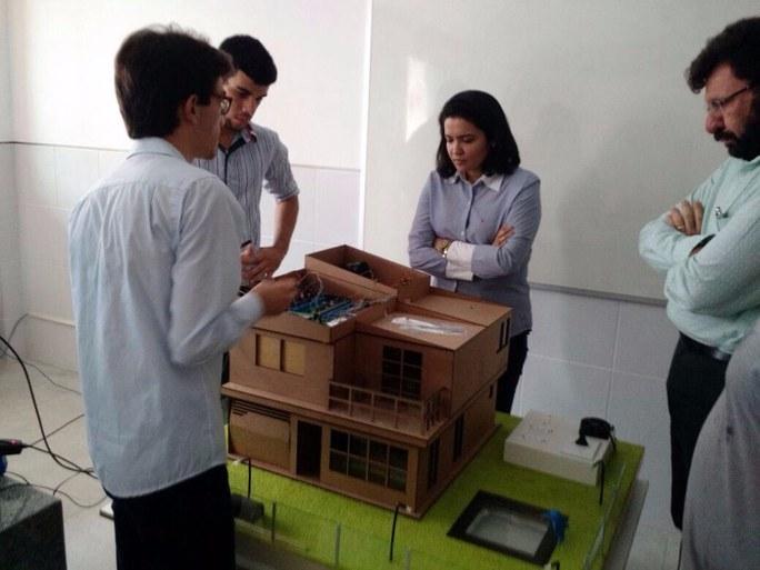 O presidente da Fundação de Apoio à Pesquisa do Estado da Paraíba (FAPESQ), o Prof. Dr. Claudio Benedito Silva Furtado e equipe vieram conhecer o projeto SMART ARQUI de Automação Residencial
