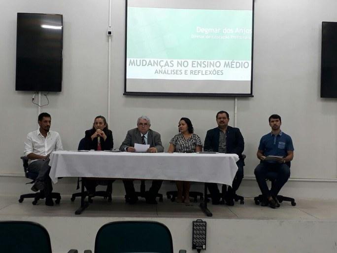 Evento reuniu diretores de ensino, coordenadores de cursos técnicos e licenciaturas e coordenadores pedagógicos para debater mudanças na área do ensino