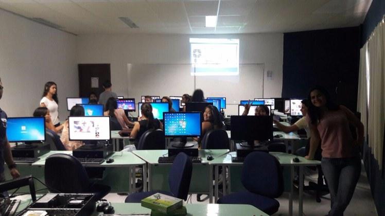 Laboratório de informática do Campus acolheu os estudantes