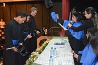 A colação de grau de 133 estudantes aconteceu no auditório do Tribunal de Contas do Estado