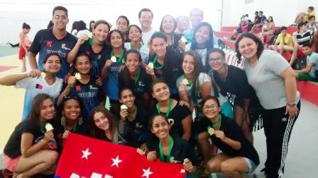 Equipe de Cabedelo, campeã de Futsal.