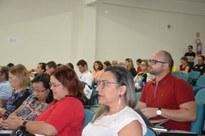 Professores, coordenadores, gestores, técnico-administrativos, estudantes e representantes sindicais debatem a MP 746, a PEC 241 e os rumos do ensino médio no País.