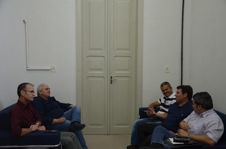 Anúncio foi do deputado Efraim Filho em reunião com o reitor Nicácio Lopes e o diretor Jerônimo Andrade