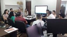 A pró-reitora Tânia Andrade realizou várias reuniões de planejamento integrando setores da política estudantil, obras e comunicação e ética