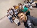 Raphaell com alunos do Campus.jpg