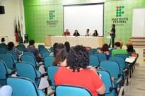 Estudantes aprovados para estágio no IFPB são acolhidos em evento com música e palestras