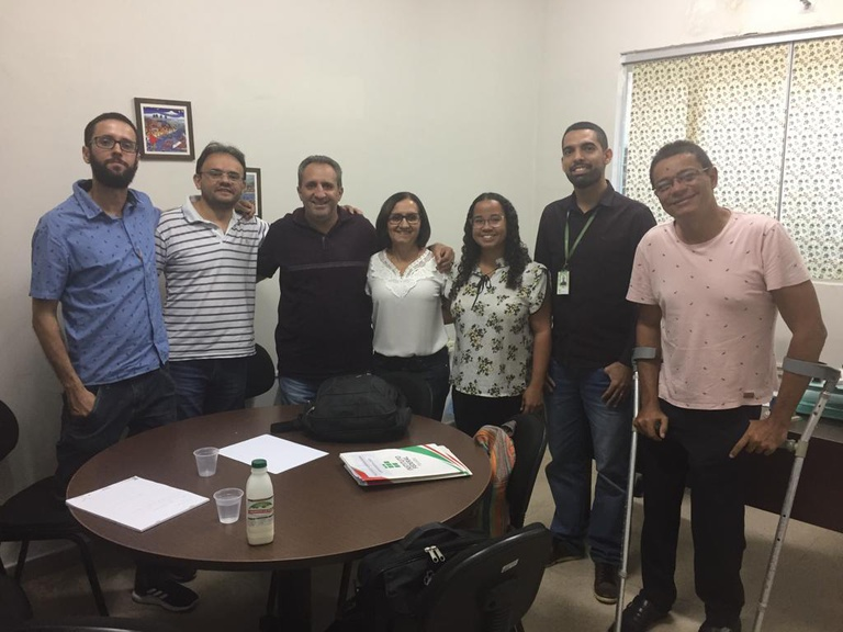 Os campi de Sousa e Cajazeiras recebem treinamento e prospecção de parcerias para o Programa