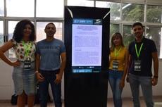 Avaliador Joao Batista junto com o grupo após apresentação