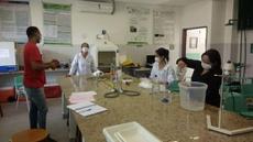 Ação envolve servidores e estudante do curso Técnico em Química do Campus Cabedelo. A doação de insumos pode ser feita diretamente no Campus