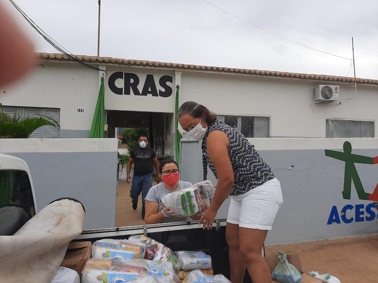 Na sexta, serão entregues 605 cestas básicas que incluem material de higiene
