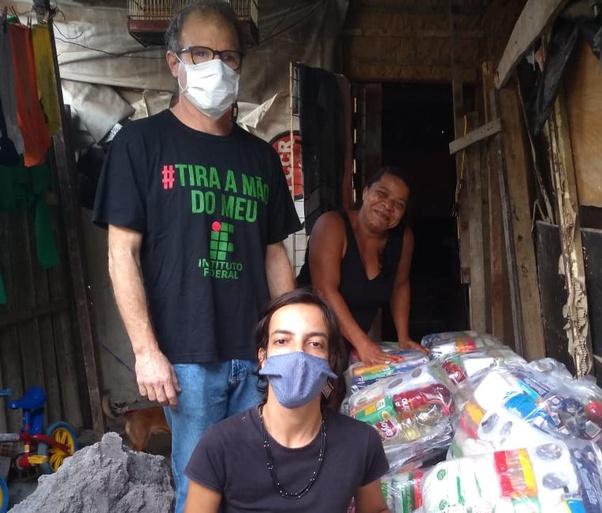 Famílias da região litorânea são beneficiadas com novas remessas de cestas básicas