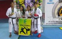 Os alunos Jonathan Ferreira, Kaio Gouveia, Mireli Marcionila e Miriely Marcionila participaram do 8º Campeonato Brasileiro de Karaté