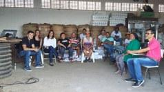 """Projeto de extensão """"Cooperando com o Meio Ambiente"""" promoveu oficina sobre os riscos do lixão e o uso do EPI para os Agentes Ambientais"""