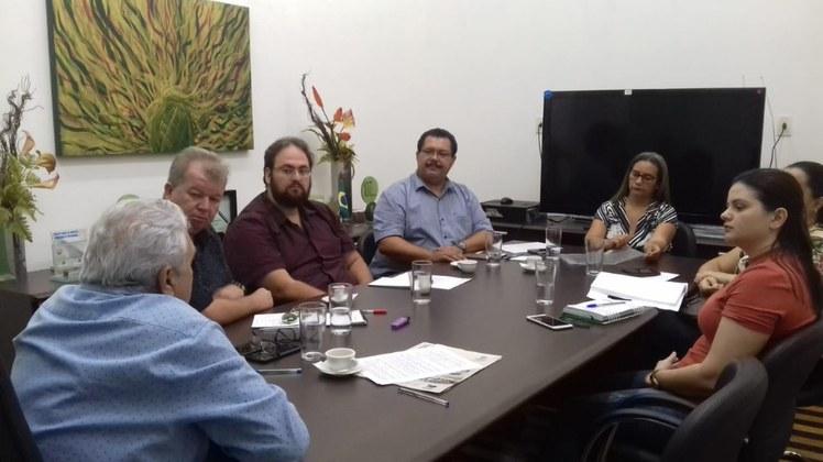 Reunião contou com a presença do reitor e equipe da Pró-Reitoria de Ensino