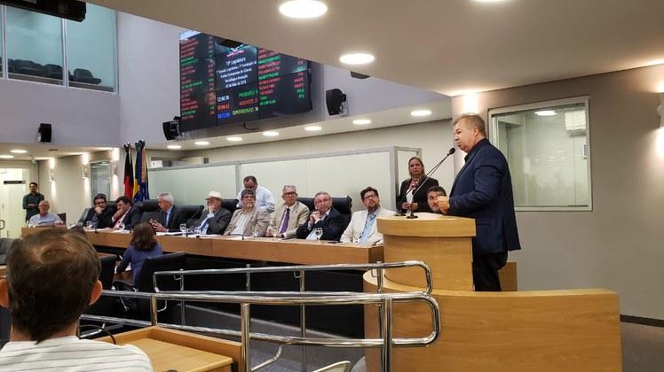 Fred Campos participou do lançamento da Frente Parlamentar da Ciência, Tecnologia e Inovação