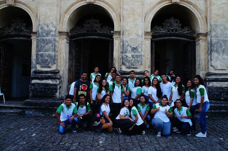 Discentes do 2º ano cursos técnicos integrado em Informática e Meio Ambiente participaram da visita.