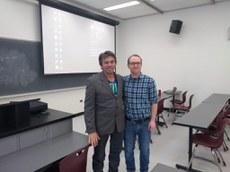 Tema da palestra do professor Paulo Alves Wanderley foram as abelhas africanizadas