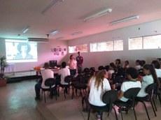 Na unidade São Gonçalo, os estudantes se reuniram com os professores no auditório